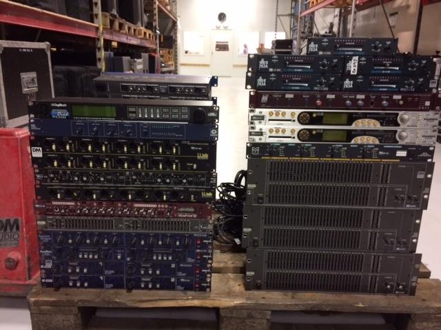 Till SALU Div Rack Utrustning